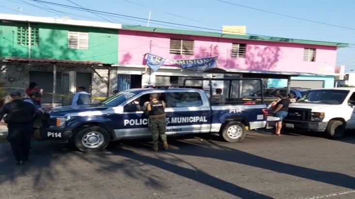 Hallan muerto a mecánico en taller de Veracruz