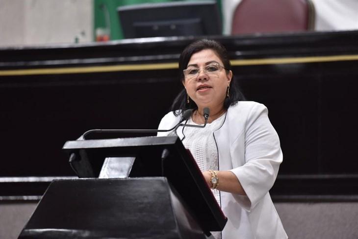 Renuncia Florencia Martínez a grupo mixto en Congreso de Veracruz