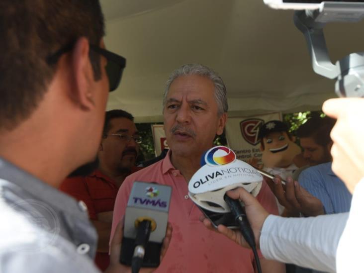 Realizan padrón para entregar despensas en Xalapa a los más necesitados