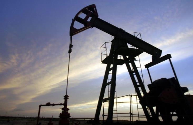 Petróleo mexicano se desploma 31.7 por ciento