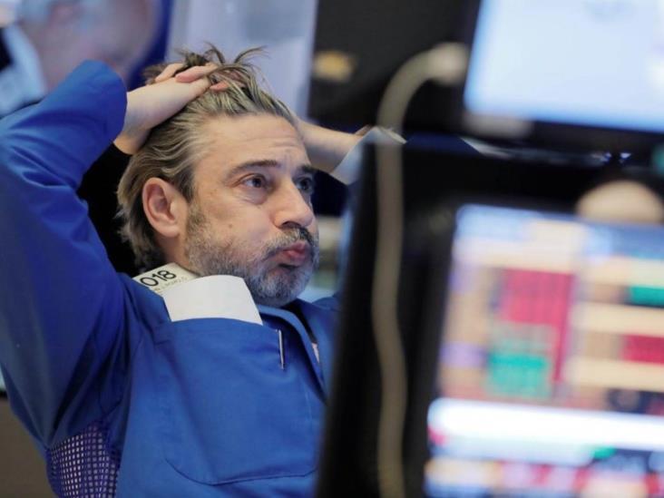 Cae 7% Bolsa de Nueva York y suspende operaciones durante 15 minutos