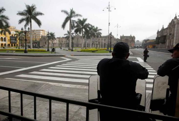 Mexicanos quedan varados en Perú, SRE no les proporciona ayuda