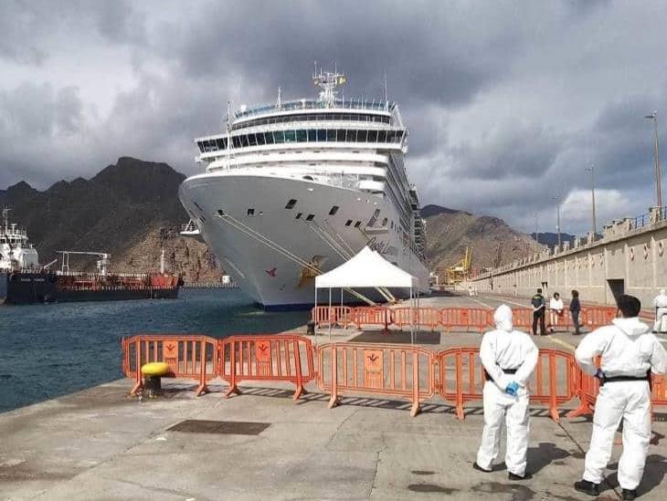 Aislados, 8 veracruzanos en un crucero por coronavirus