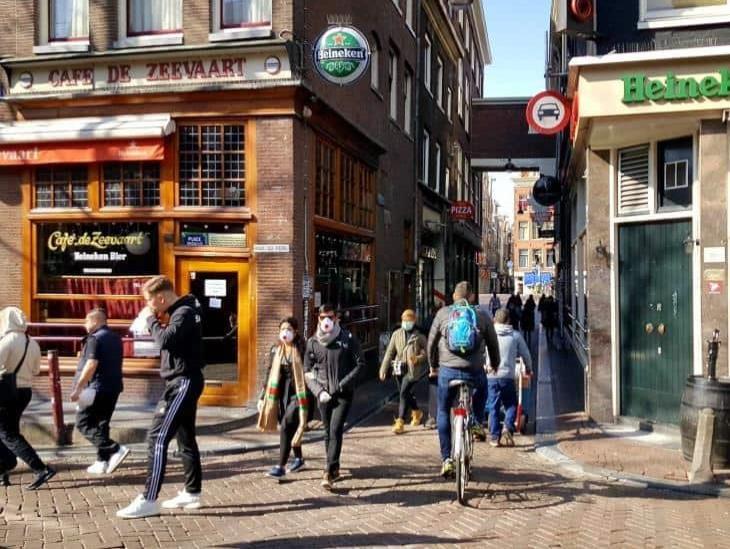 Por coronavirus, compras de pánico de mariguana en Holanda