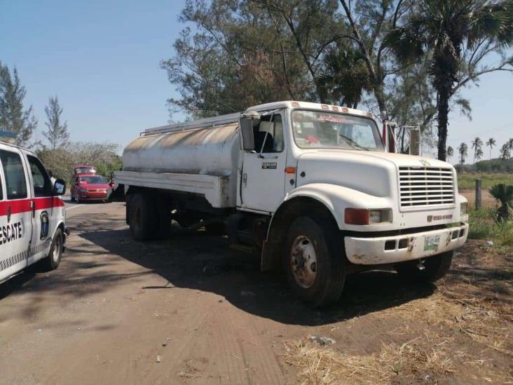 Accidente en carretera federal 180 deja solo daños materiales