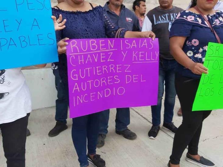 Vecinos exigen justicia para mujer que fue quemada por pareja