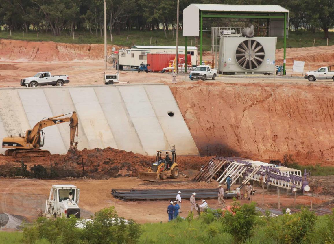 Pemex inició introducción de oleo-gasoducto en Agua Dulce