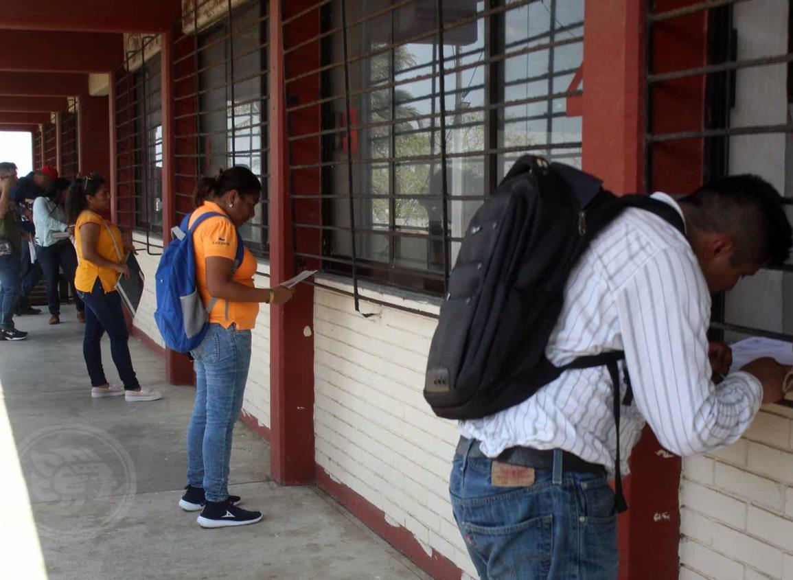 SEV cierra registros para ocupar plazas de docentes