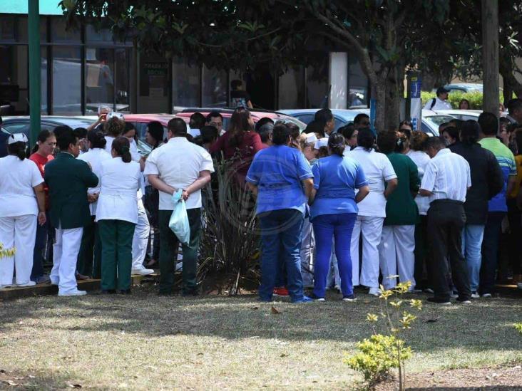 Falta de insumos y posible COVID-19 causan alarma en clínica de Xalapa