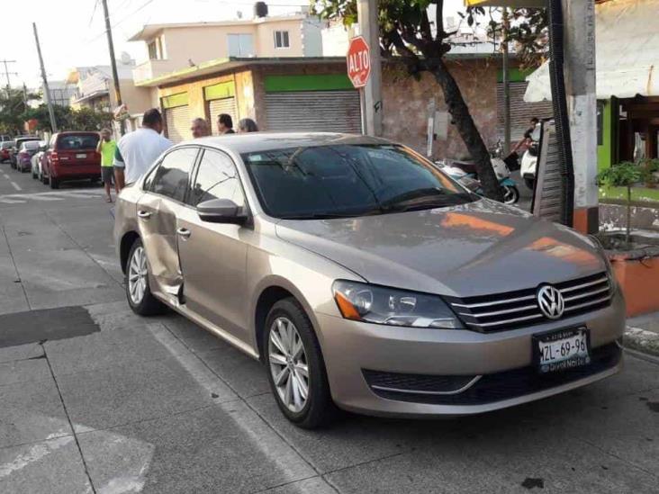 Se registra accidente automovilístico en calles de Veracruz