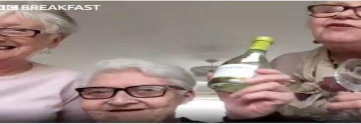 Tres amigas de 70 años se mudan juntas para tomar vino durante cuarentena