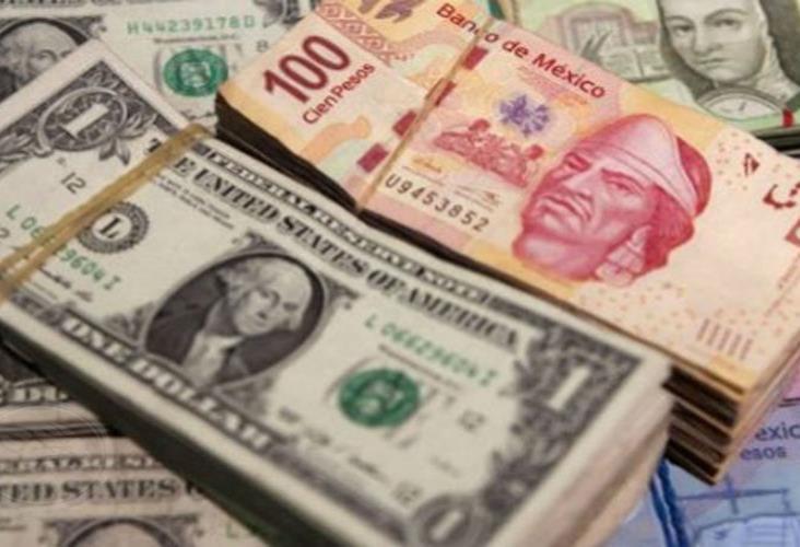 Peso avanza 3.96% frente al dólar
