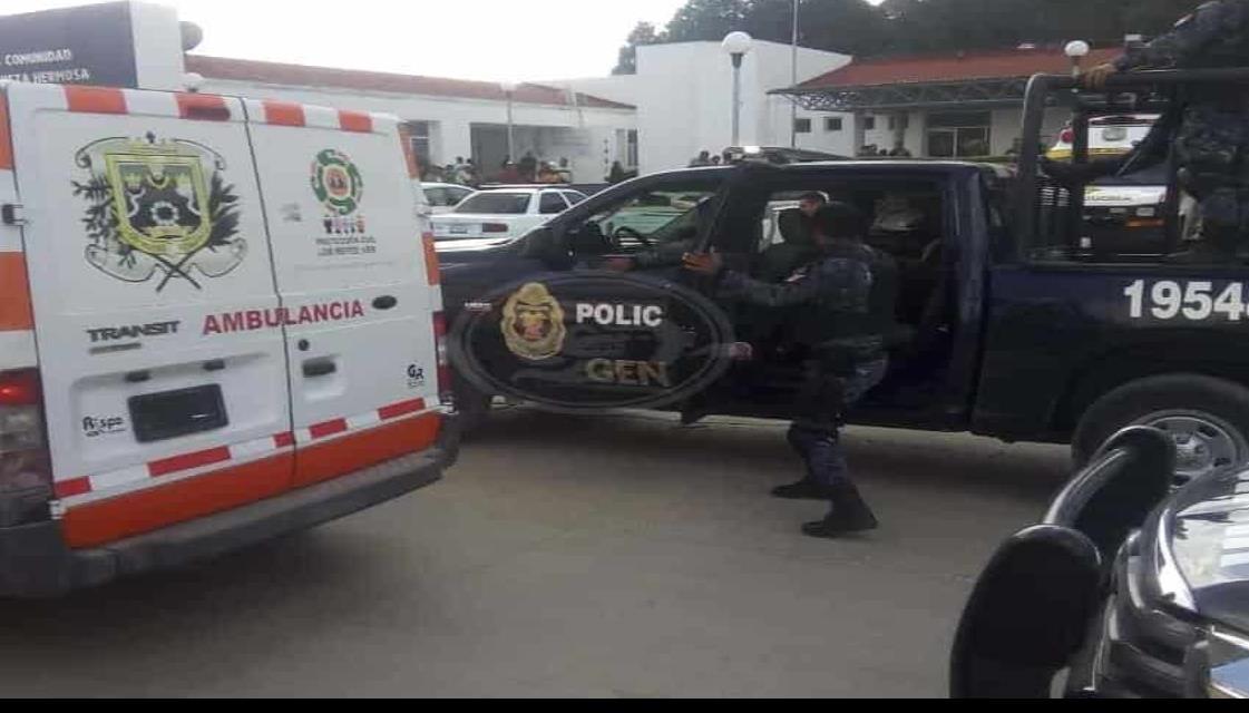 Elementos de Semar y SSP heridos son llevados a Orizaba