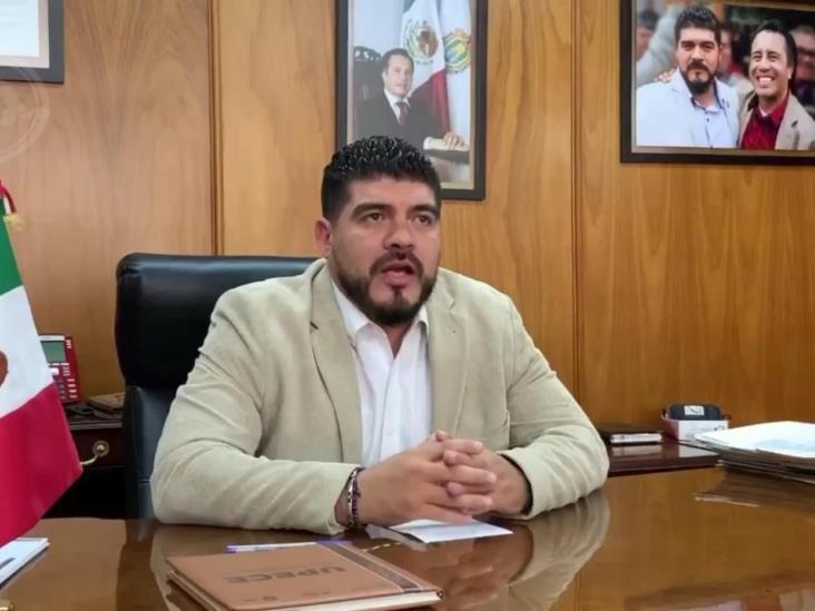 Por extorsión, denuncia SEV a funcionario de Espacios Educativos