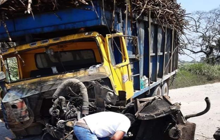 Camión cañero es impactado por el tren en Tres Valles
