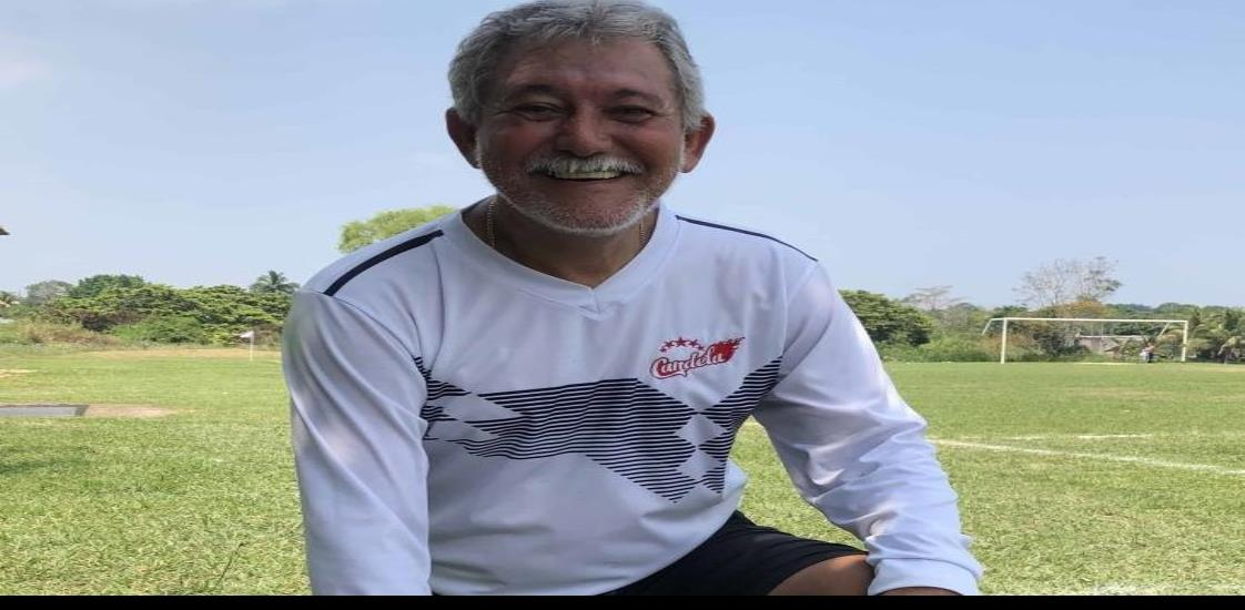 Norberto Solórzano Garduza;  el futbol lo mantiene activo y sano