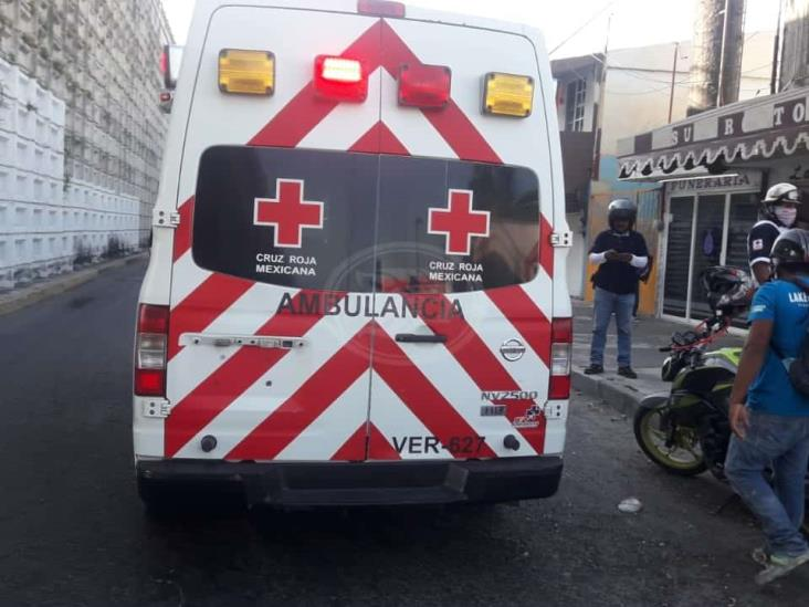 Motociclista resulta lesionado tras ser arrastrado por camioneta en Veracruz