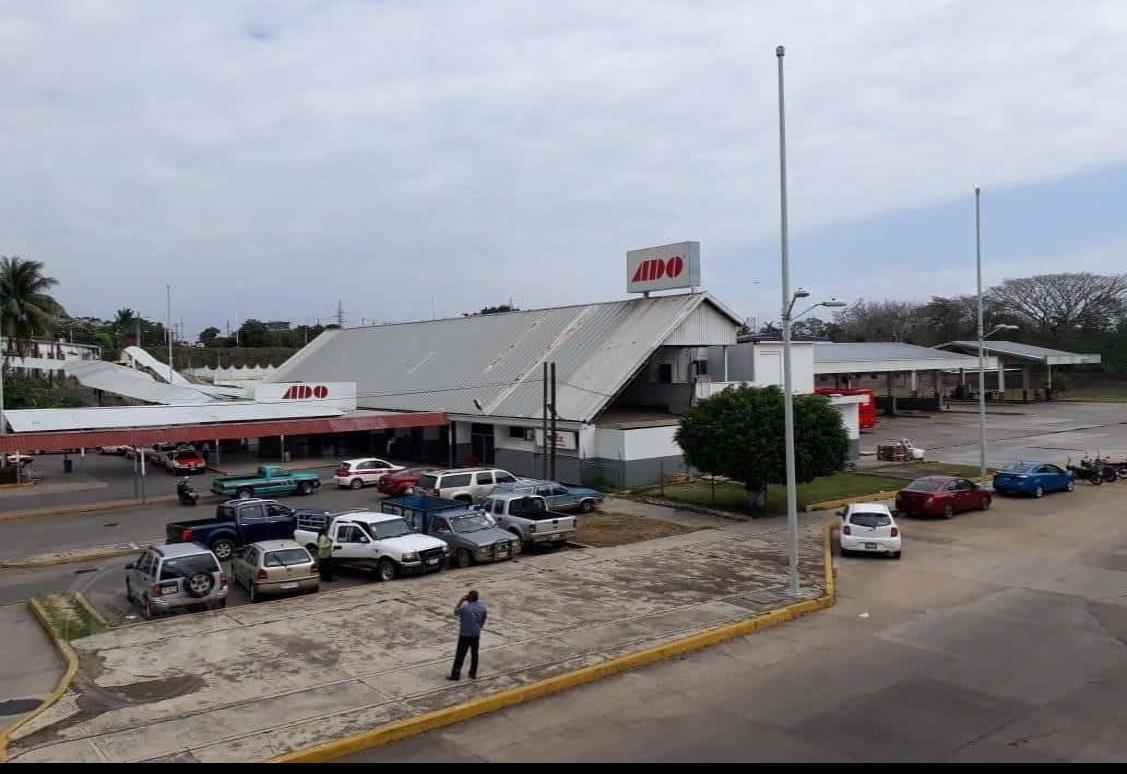 Afluencia normal en terminales de autobuses en Acayucan