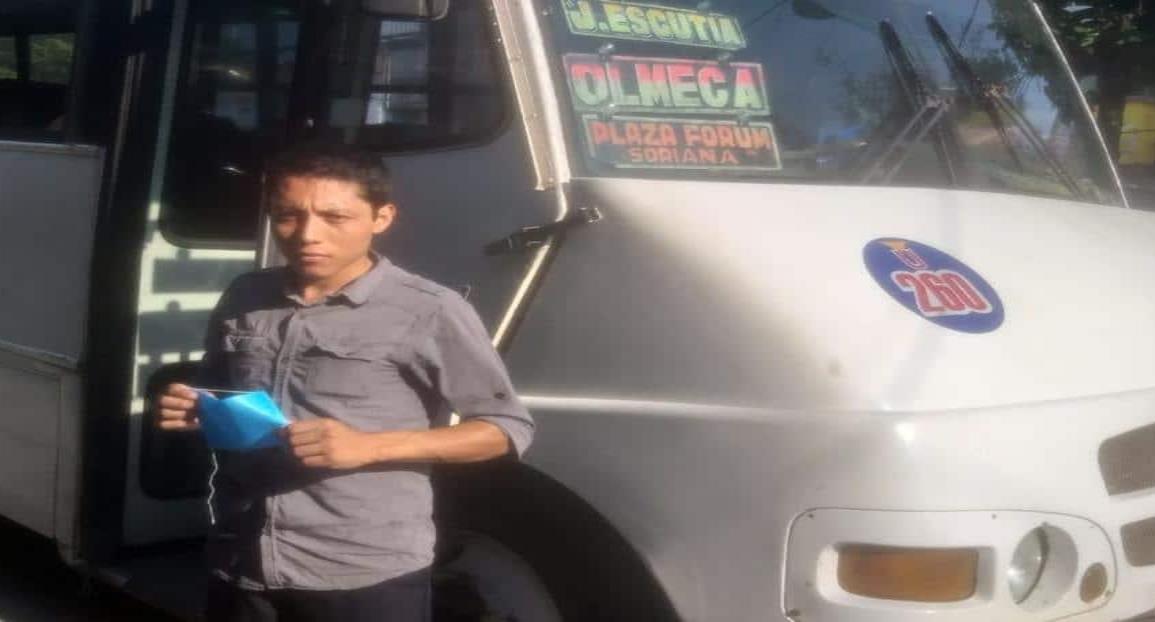 Distribuye Transporte Público cubre bocas a usuarios y concesionarios