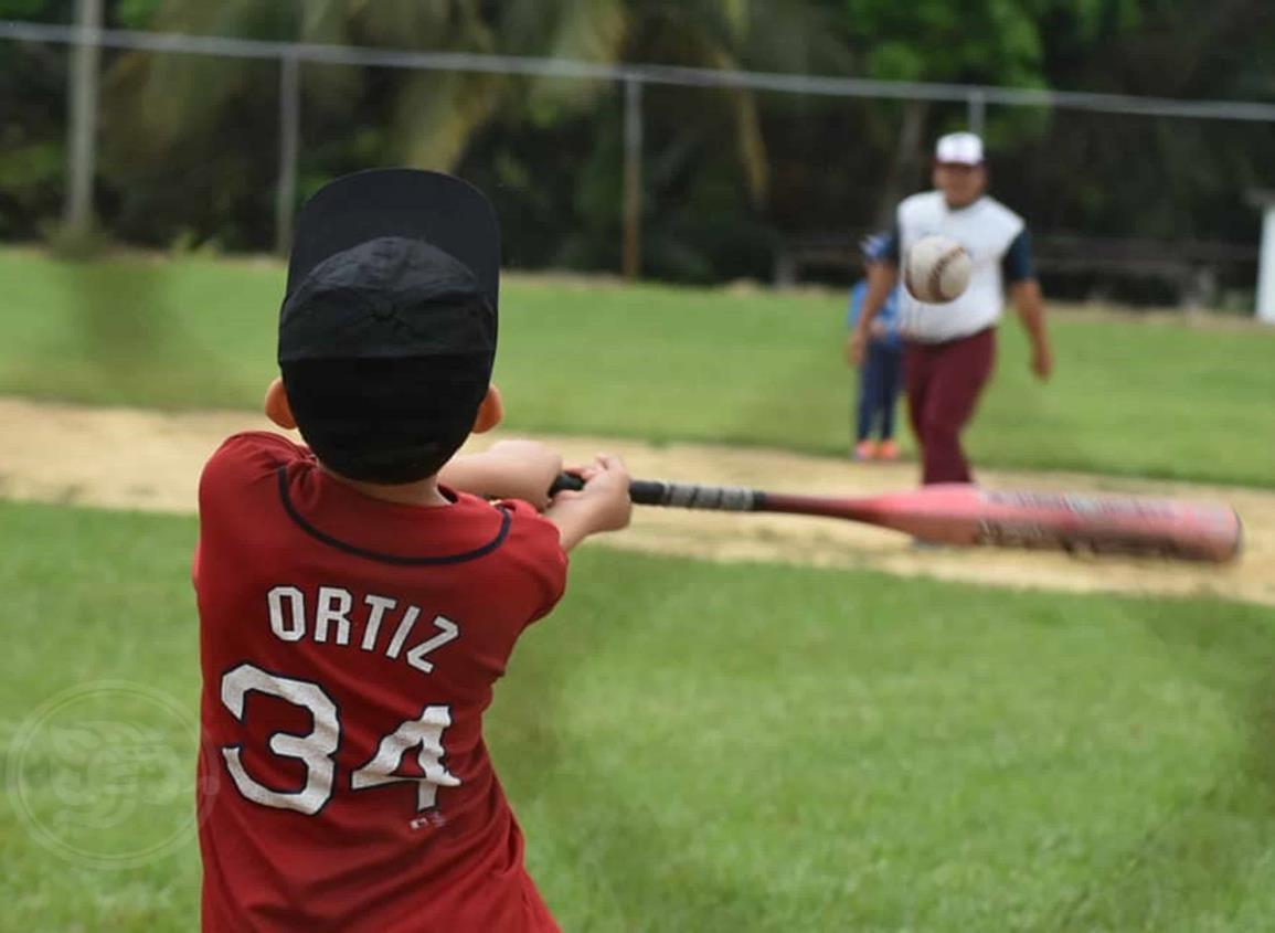 Entrenamientos del béisbol infantil hasta abril en Agua Dulce