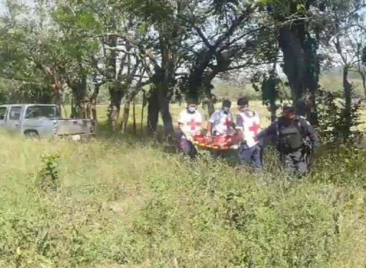 Camioneta se sale del camino en San Andrés; tres lesionados