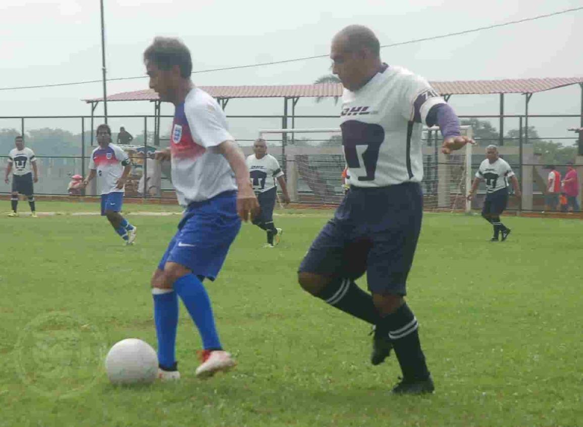 Preocupa a jugadores de Jáltipan que el futbol Más de 60 años no suspenda