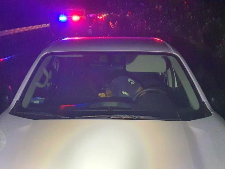 Abaten a presuntos delincuentes en autopista Acayucan-Cosolea