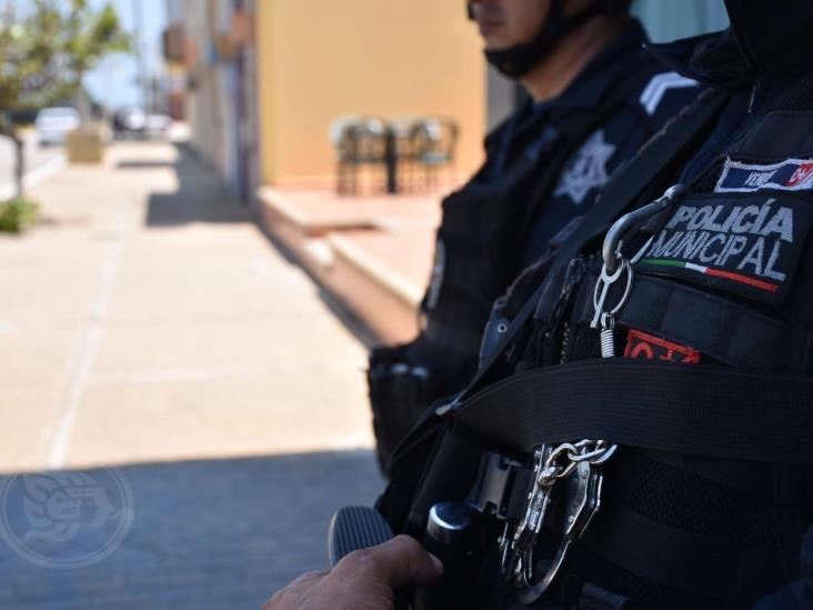 Mandan a aislarse a 18 elementos de la Policía de Coatzacoalcos
