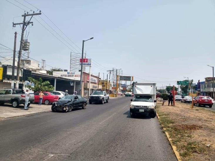 Dos unidades particulares se impactan en calles de Veracruz