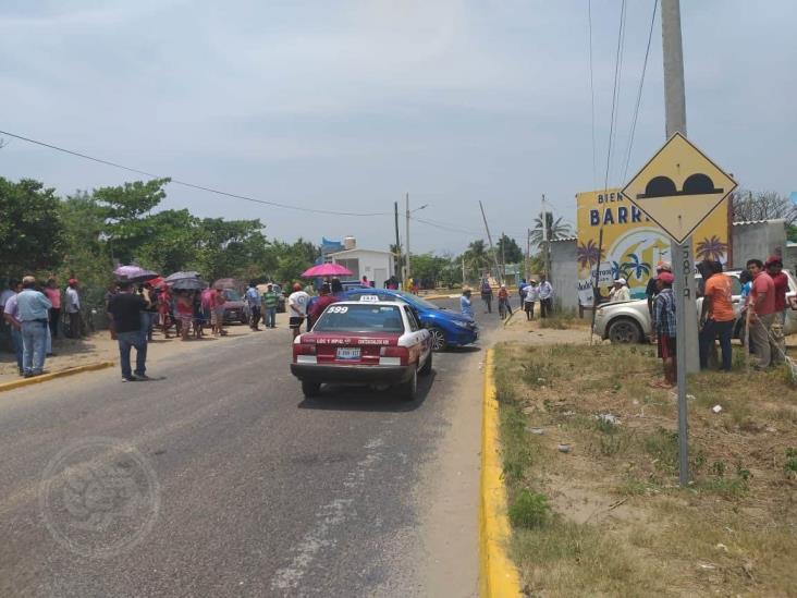 Pobladores de Barrillas bloquean el acceso a la comunidad