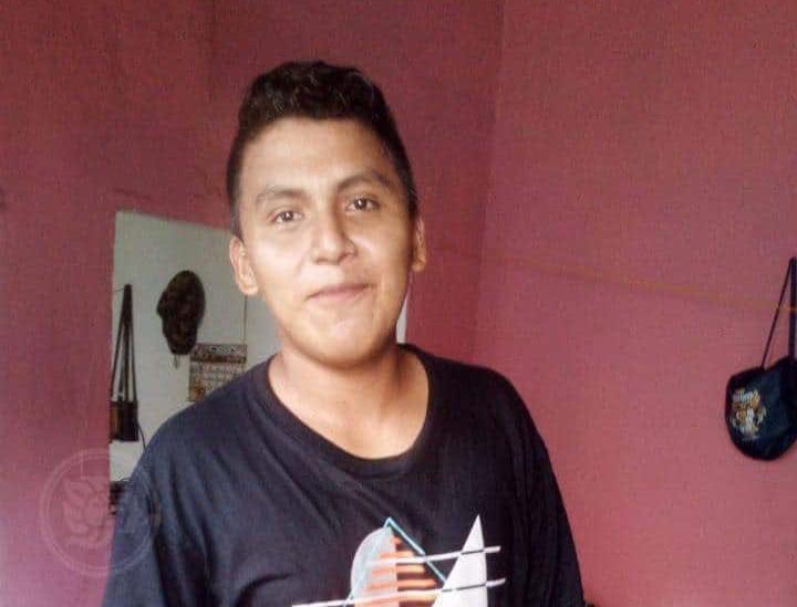 Desaparece jovencito en Coatza; avisó a su madre que lo seguían