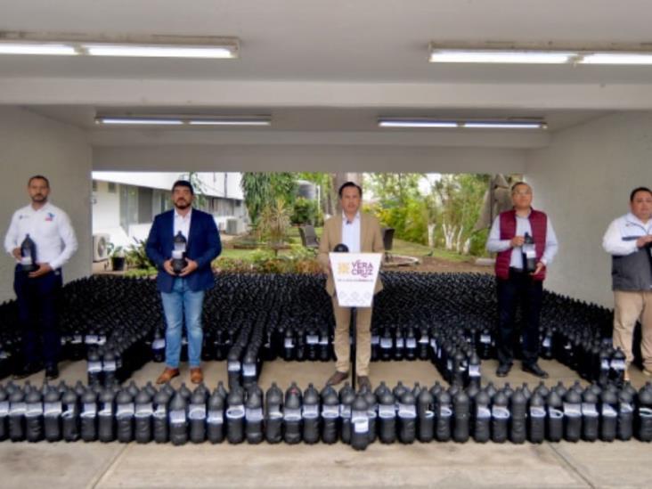 Anuncia gobernador distribución de más de 7 mil ovitrampas para combate del dengue