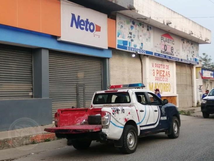 Asaltan la tienda Neto en el mercado campesino de Las Choapas