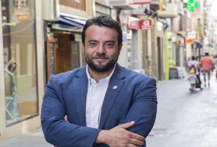 Alcalde en estado de ebriedad  viola confinamiento en España