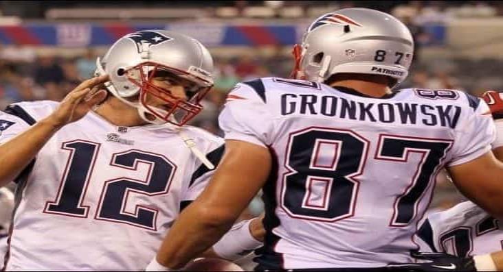 Épica bienvenida de Tom Brady para Rob Gronkowski