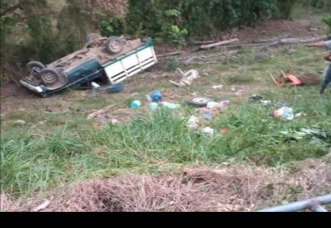 Accidente automovilístico en zona rural de Las Choapas; 9 heridos