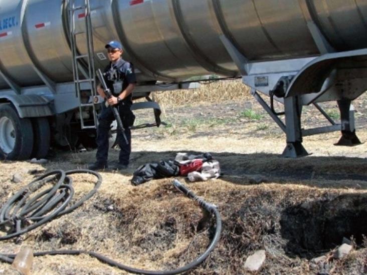 Guardia Nacional asegura mil 600 litros de combustible robado en Hidalgo