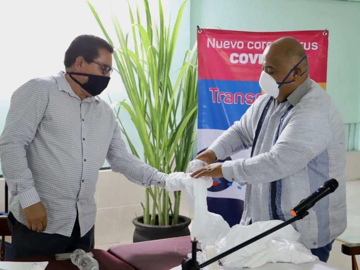 Entrega Eric Cisneros material e insumos contra COVID-19 en Cuenca del Papaloapan
