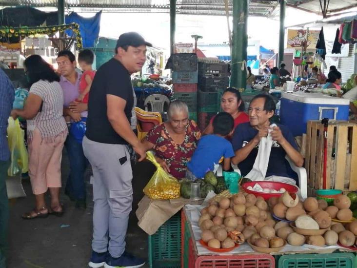 En Minatitlán, acuerdan comerciantes de la plazoleta campesina  cerrar