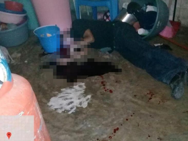 Hombre hiere de bala a su mujer y se suicida en Ixmatlahuacan