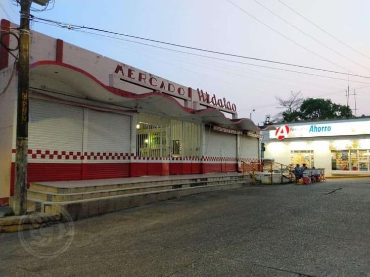 Guardia Nacional y Policías municipal vigilan negocios de Minatitlán