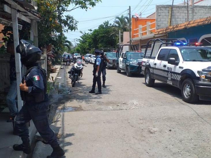 Tras tener una riña con vecinos, joven obrero es apuñalado en Veracruz