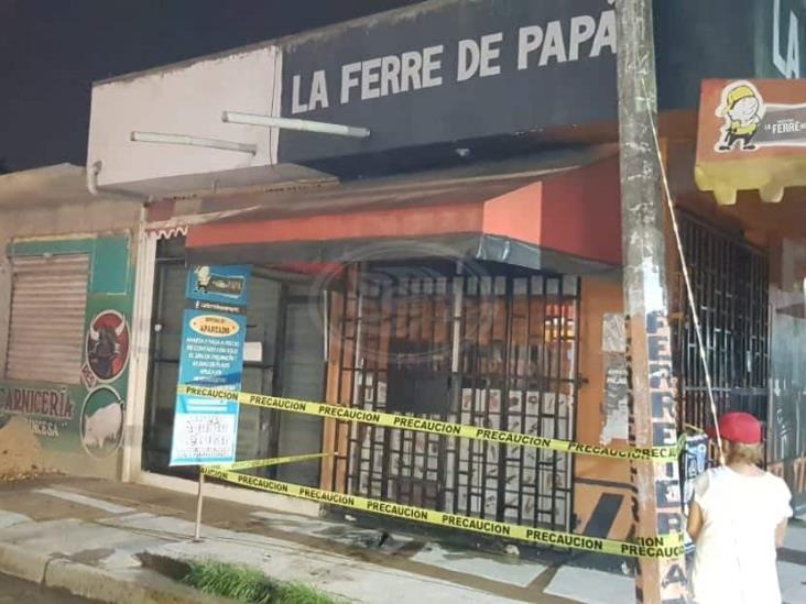 Atacan dos negocios con bombas molotov en Coatzacoalcos