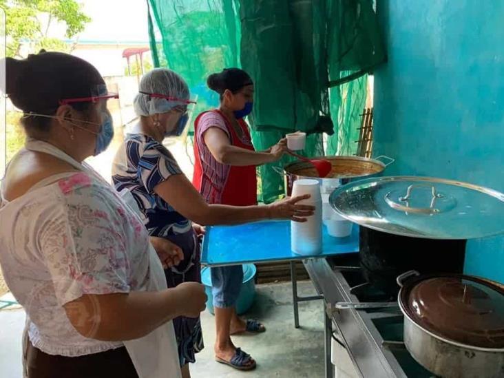 Cuichapenses se benefician con comedores comunitarios