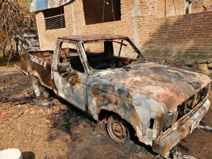 En Medellín de Bravo, denuncia incendio de su camioneta