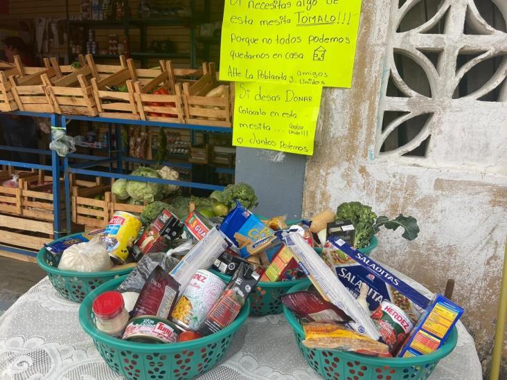 La Poblanita dona despensas a los más necesitados