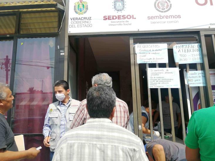Taxistas en Tuxpan piden transparencia en programas de apoyo