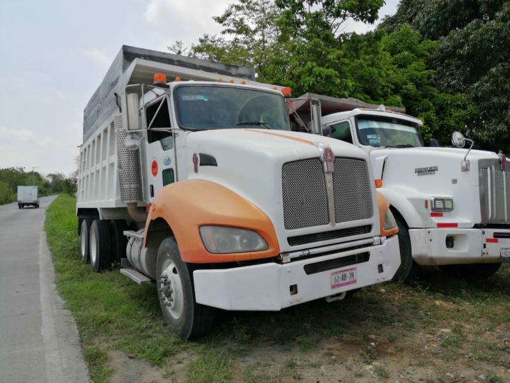 Transportistas exigen que la SUTERM deje obra de Ibedrola