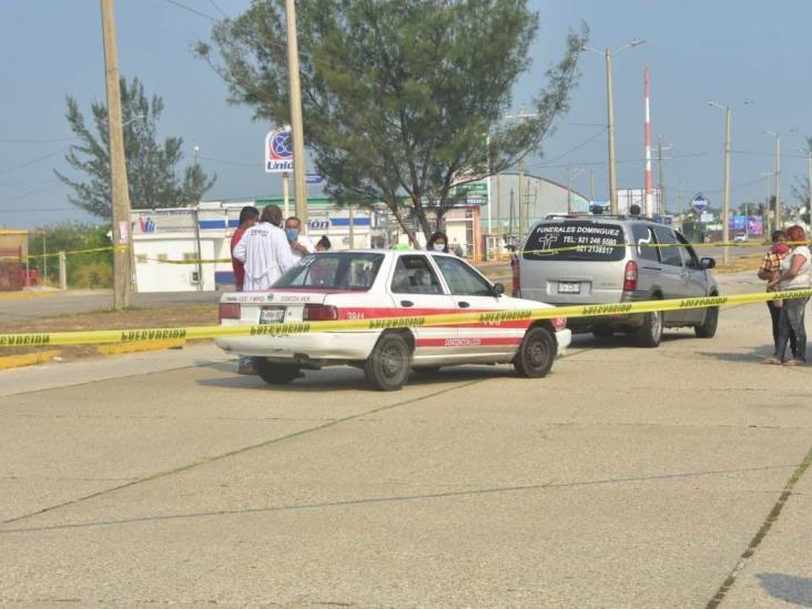 Muere taxista de un infarto mientras conducía en Coatzacoalcos