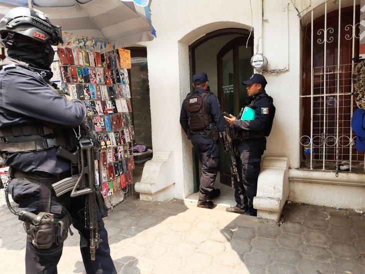 Hombres armados roban a empleada de CFE mientras hacía corte en cajero